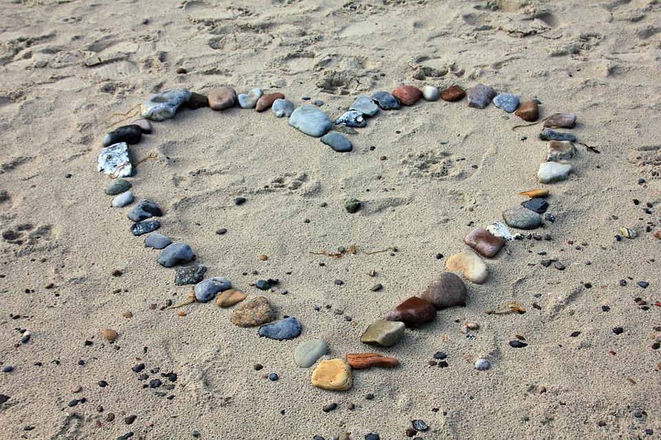 BeachStonesHeart