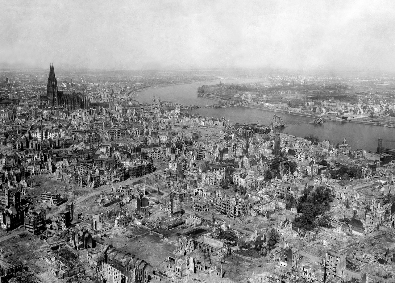 Cologne_Bombed_WWII