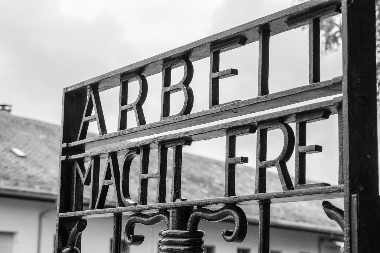 Concentration_Camp_Sign
