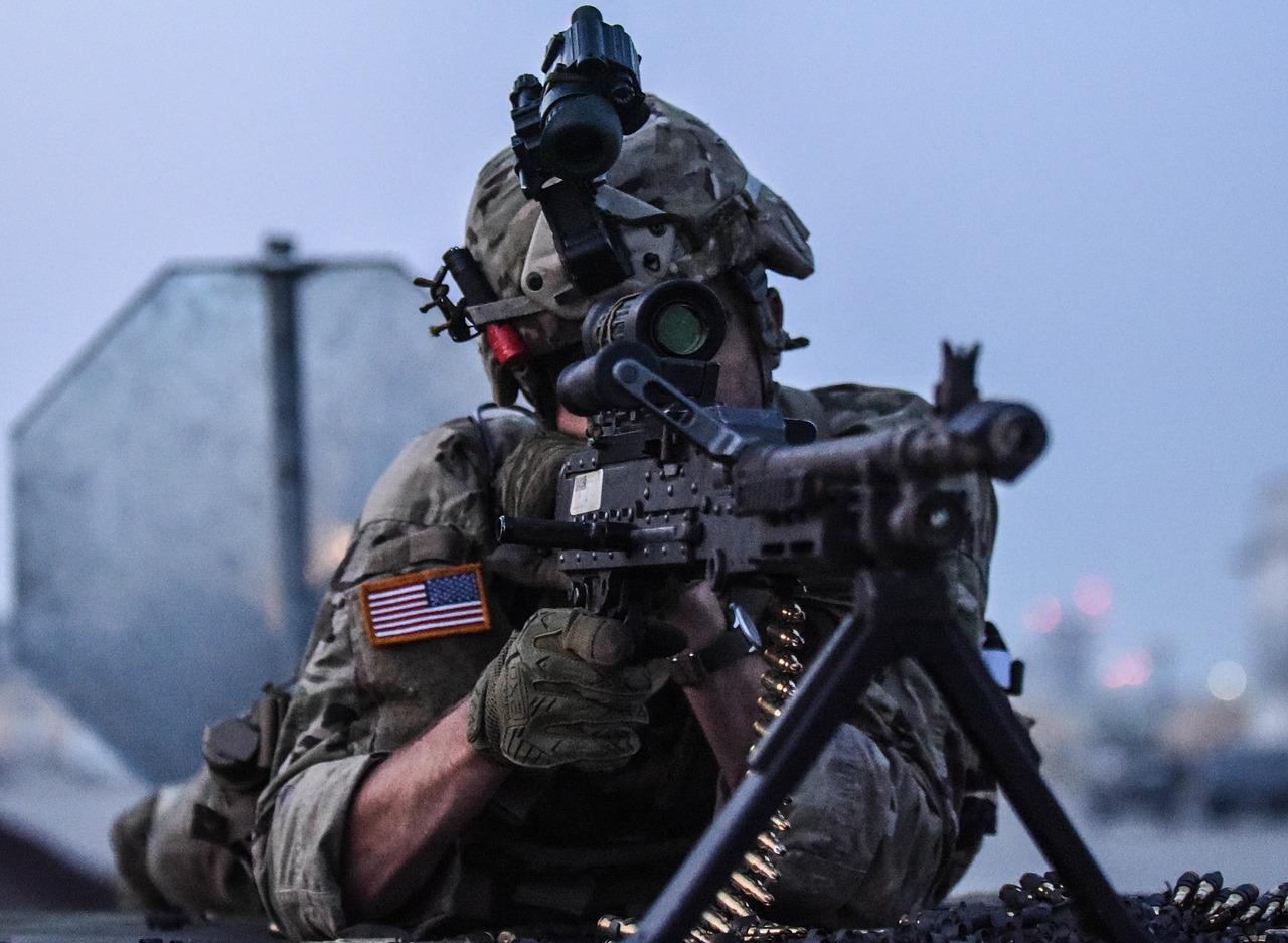Soldier_With_Machine_Gun