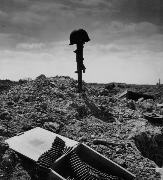Soldiers-Grave-WWIIjpg