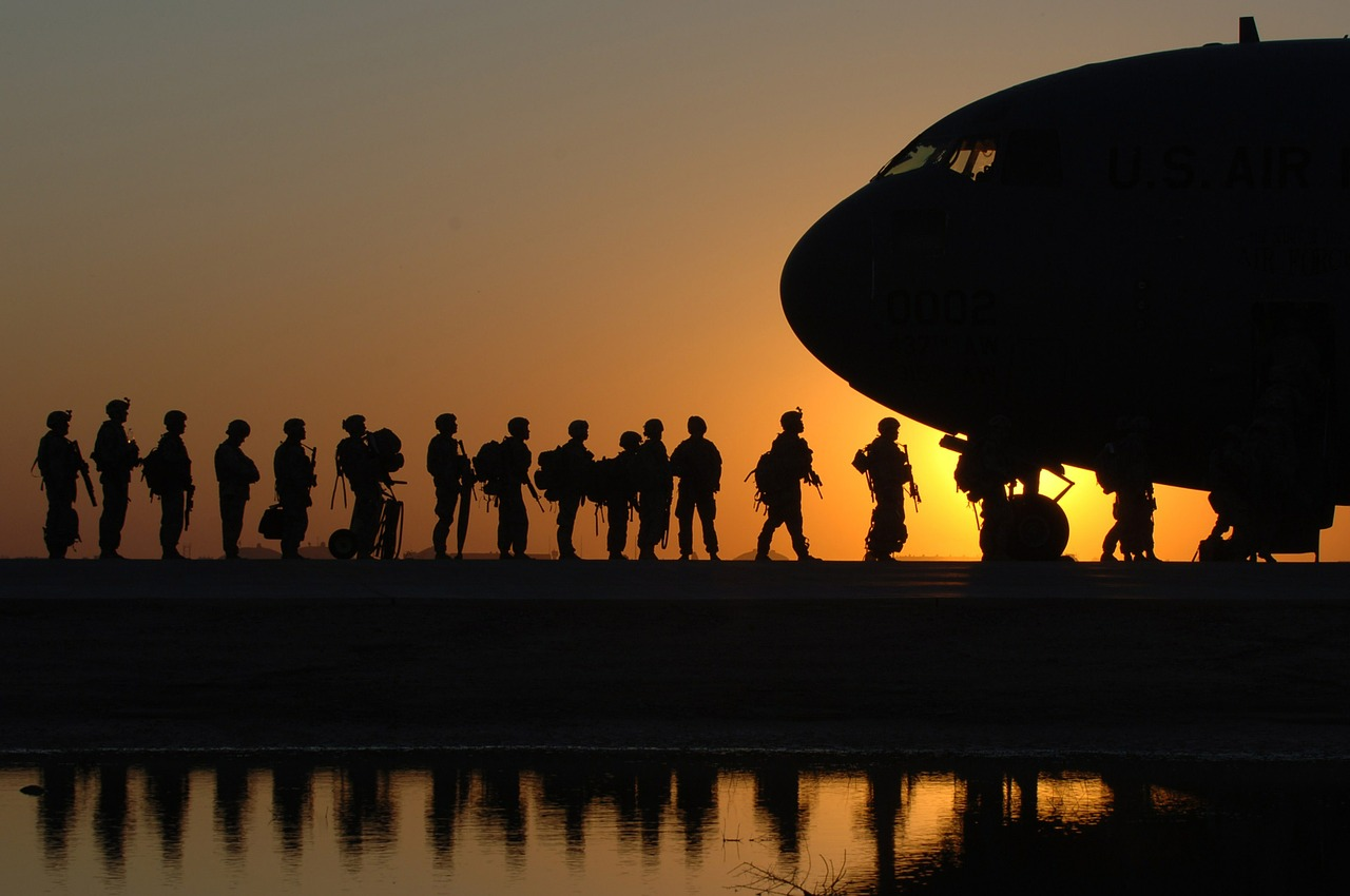 Soldiers_Sunrise_747