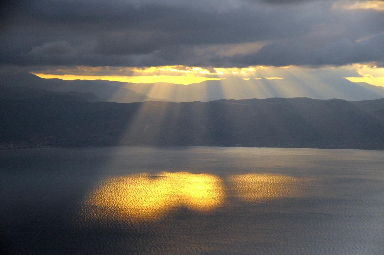 Sun_Through-Clouds