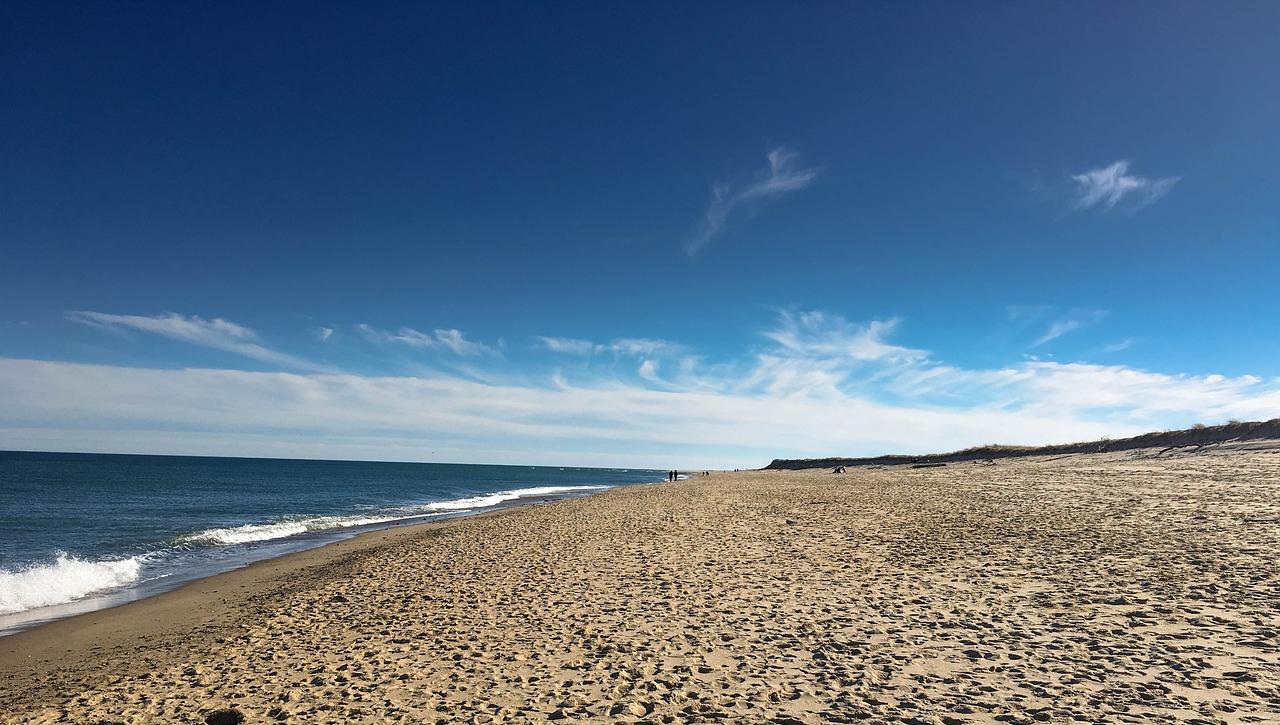beach-2084555_1280